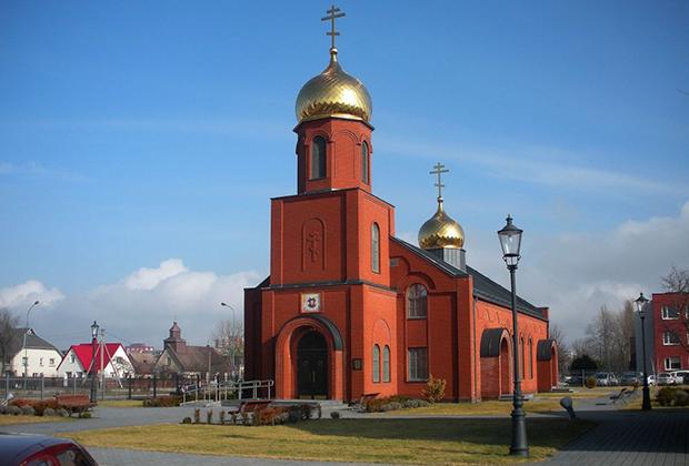 Храм во имя Успения Пресвятой Богородицы и архангела Михаила Древлеправославной Поморской Церкви Литвы.