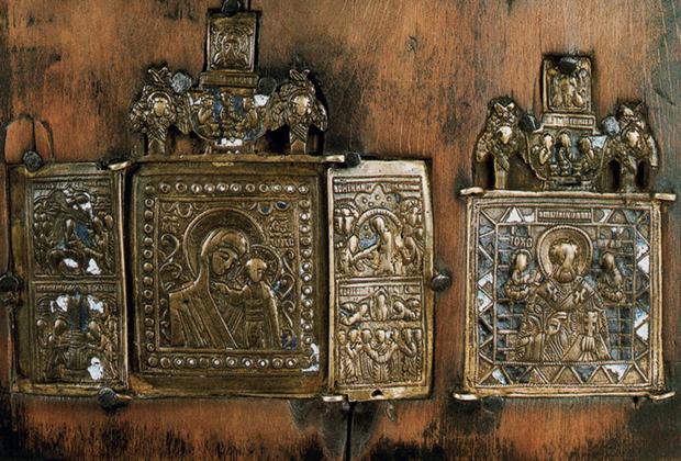 Меднолитые иконы запретил отдельным указом император Петр Великий, но старообрядцы продолжили создавать их.