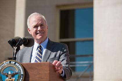 Глава ВМС США пригрозил уволиться из-за спора с Трампом