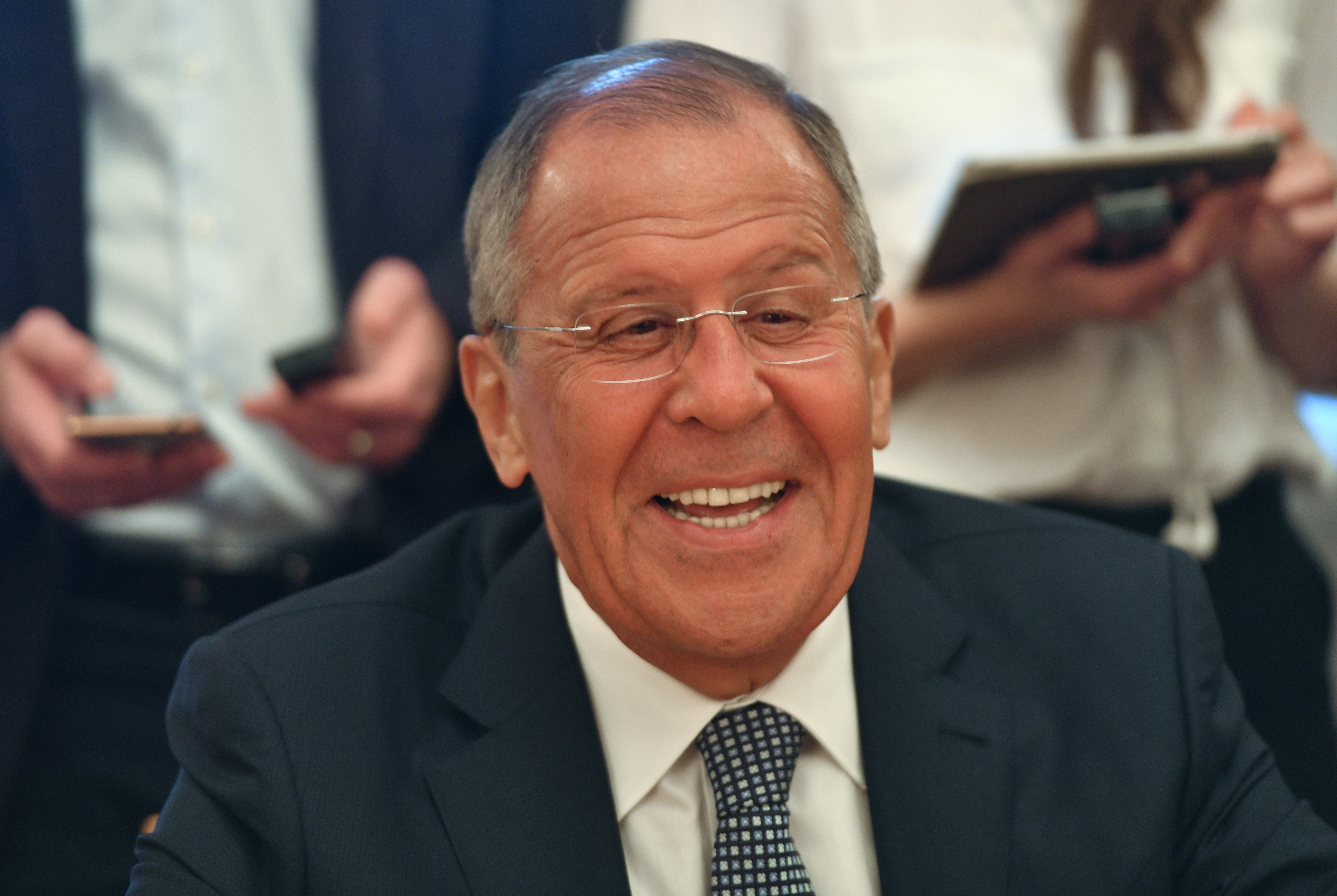 Политики ЕС в шоке - Лавров умеет улыбаться. Но не вам, господа...