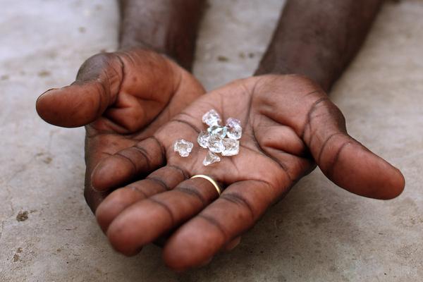России захотели заплатить за солярку алмазами