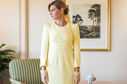 Жена Зеленского избавится от «оскорбившего» императора платья