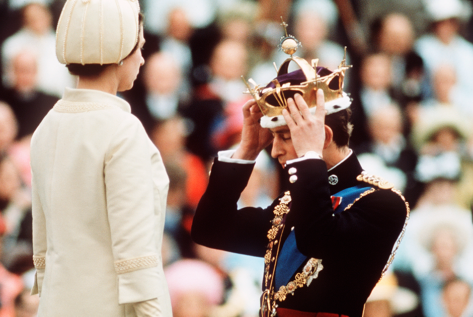 Королева коронует Чарльза как принца Уэльского, 1969 год