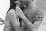 Фотография фотомодели Джейн Прист, подбежавшей и внезапно поцеловавшей принца в Австралии, оказалась в газетах по всему миру. После этого к девушке пришел успех: модельные агентства всего мира звали ее сниматься. Сейчас она живет в Сиднее и редко вспоминает о Чарльзе.