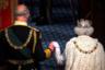 В ноябре 2019 года появилась информация, что в возрасте 95 лет, то есть через полтора года, Ее Величество может удалиться на покой. Сделать она это якобы планирует по примеру мужа, отказавшегося от публичных мероприятий по достижении этого возраста. По данным анонимных источников, принц Уэльский уже сейчас принимает полномочия своей матери, все чаще замещая ее на официальных мероприятиях.  <br></br> Сообщается также, что именно Чарльз надавил на своего брата, принца Эндрю, чтобы тот сложил свои монаршие обязанности из-за тесных связей с умершим в тюрьме миллионером-педофилом Джеффри Эпштейном. Таким образом, пишут СМИ, Чарльз показал свою готовность к управлению государством.