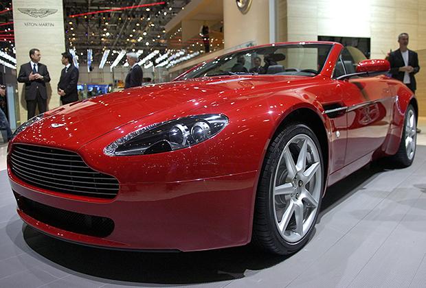 Когда Ford продавал Aston Martin на фоне кризиса 2008 года, ходили слухи об интересе Арно к британскому производителю спорткаров. Однако автомобильное отделение у LVMH до сих пор не появилось, несмотря на большой объем рынка.