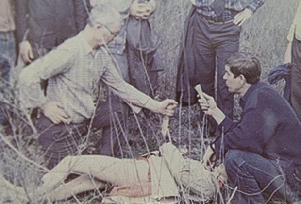 Чикатило рассказывает и показывает, как совершал последнее убийство
