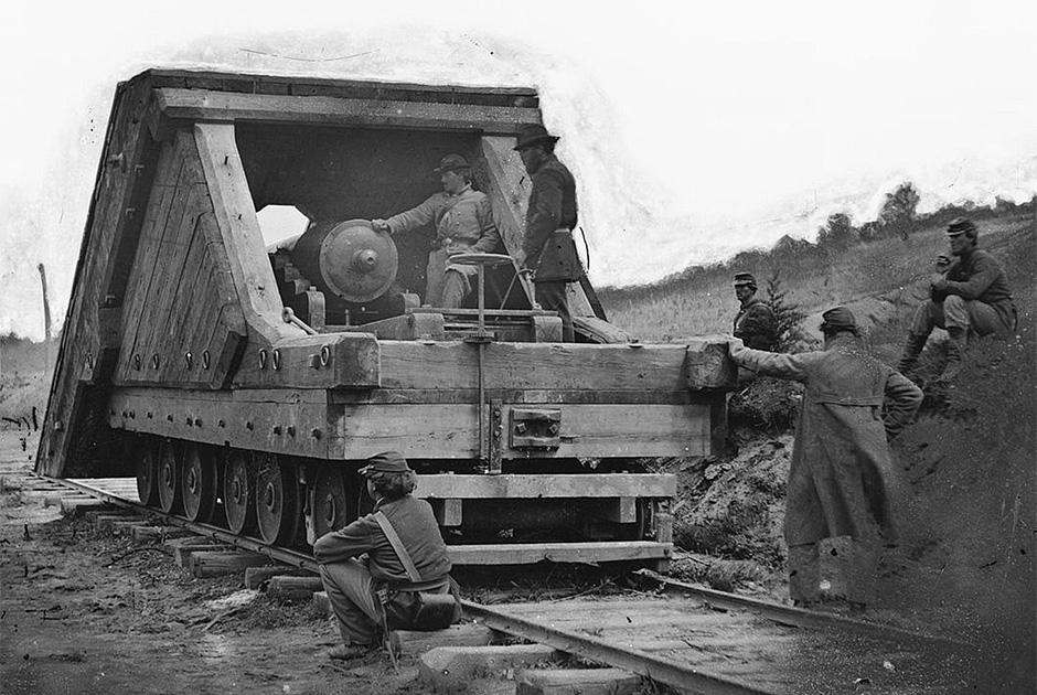 Блиндированная артиллерийская установка на рельсах — прототип будущего бронепоезда. Гражданская война в США 1861-1865 годы
