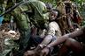 Закон запрещает охотиться в национальных парках, однако многие конголезцы не могут преодолеть соблазн — на охраняемых территориях гораздо больше дичи, чем в джунглях, а значит, охота проходит легче и быстрее.