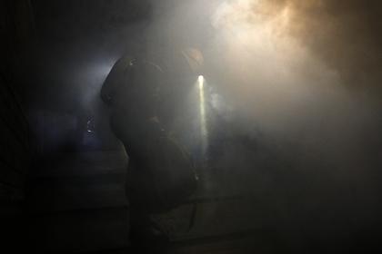 В Петербурге загорелся ангар с химическими удобрениями photo