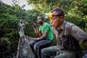 Раз в месяц Мохамед Эсимбо Матонгу уходит из дома на охоту. Несмотря на то что мужчина работает в государственном учреждении, его зарплаты не хватает, чтобы прокормить семью. Еду приходится в буквальном смысле добывать.