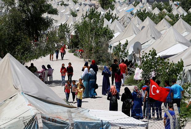 Сирийские беженцы в лагере в Турции, 2016 год