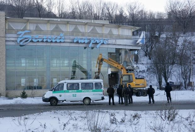 Кафе «Белый парус» после ареста Вагона было снесено по требованию администрации Нижнего Новгорода