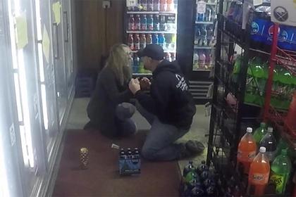 Мужчина инсценировал ограбление магазина ради руки и сердца возлюбленной