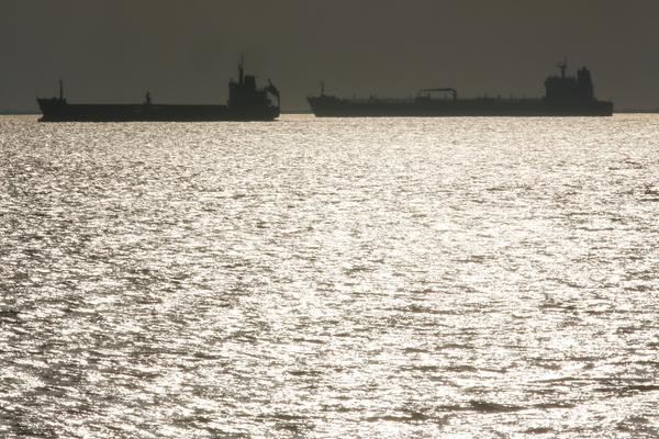 США наказали всех покупателей нефти