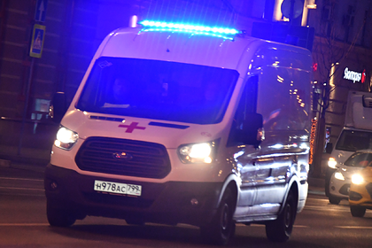 В Москве на переходе сбили мать с двумя детьми