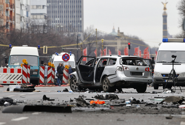 Машина, в которой в 2016 году погиб чеченец