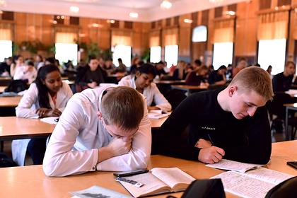 Иностранные студенты захотели больше знать о России