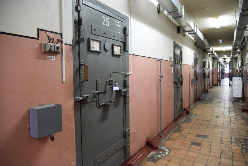 Коридор корпуса для пожизненно осужденных в ИК-1