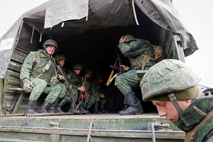Украинцы сочли ополченцев Донбасса воюющими за российские деньги