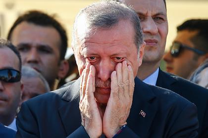 Эрдоган дружит с Россией, но теряет поддержку в Турции. За 18 лет к нему накопилось много претензий