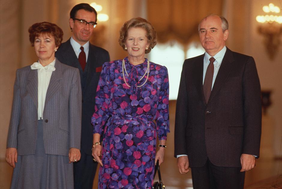 Маргарет Тэтчер на встрече с Михаилом Горбачевым и его супругой Раисой в Москве