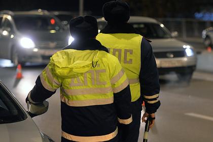 Российская школьница выпила пива и искусала сотрудников полиции
