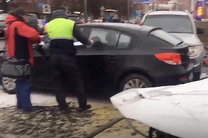 У разбившего 13 машин в Петербурге пьяного водителя нашли 105 нарушений