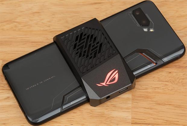 Asus ROG Phone II с кулером