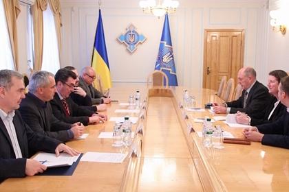 На Украине утвердили сценарий реинтеграции Донбасса