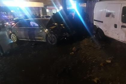 Владельцем сбившего толпу подростков автомобиля оказался бывший полицейский