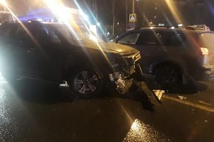 Момент ДТП с толпой подростков в Нижнем Новгороде попал на видео