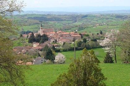 Жителям французской коммуны запретили умирать по выходным и праздникам