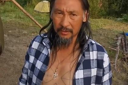 Шедший к Путину шаман возобновил поход с четырьмя собаками