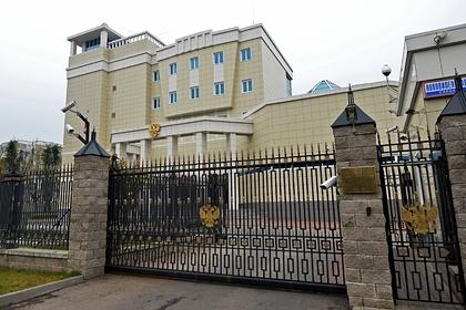 К посольству России в Минске вывели спецназ
