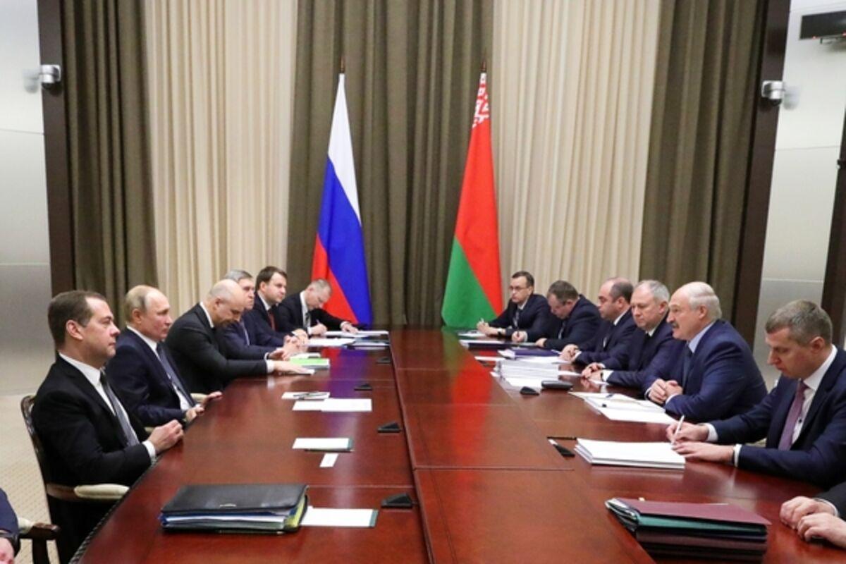 Посол Белоруссии раскрыл подробности переговоров Путина и Лукашенко в Сочи