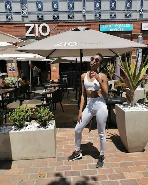 Тунци родилась в южноафриканском городе Тсоло, Восточная Капская провинция, а выросла в одной из окрестных деревень.