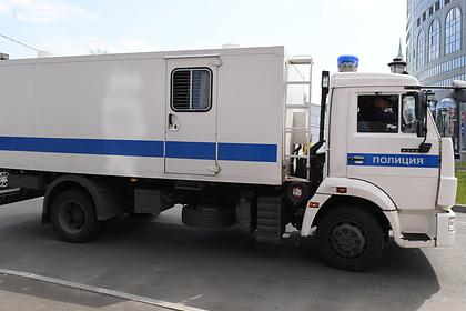 Российский заключенный оценил перевозку в автозаке на 15 миллионов рублей