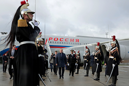 Путин прилетел в Париж на «нормандский саммит»
