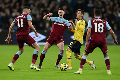 «Арсенал» забил три мяча за девять минут и обыграл «Вест Хэм» в дерби