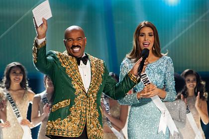 Ведущий «Мисс Вселенная» напомнил участнице о наркокартелях и разгневал зрителей