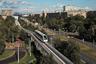 """Монорельс — один из самых громких и провальных проектов времен Лужкова. Транспортная система протяженностью около пяти километров, строительство которой обошлось городу примерно в 220 миллионов долларов, долго работала «в экскурсионном режиме». Дорога то и дело ломалась, и в конце концов ее сделали частью метро. В целом весь эксперимент до сих пор вызывает недоумение. В мае 2017-го <a href=""""https://lenta.ru/news/2017/05/16/monorels/"""" target=""""_blank"""">сообщалось</a>, что Московская монорельсовая транспортная система будет реконструирована. Основную часть этой железной дороги, которая сейчас проходит по эстакаде, опустят на землю. Но в ноябре 2019-го заместитель мэра Москвы Марат Хуснуллин <a href=""""https://vm.ru/transport/763742-pochemu-stolichnyj-monorels-prevratilsya-v-attrakcion"""" target=""""_blank"""">заявил</a>, что демонтажа не будет."""