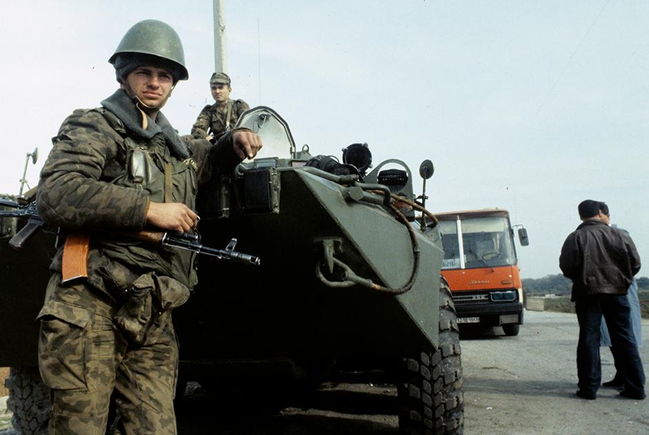 Блокпост на границе между Дагестаном и Чечней