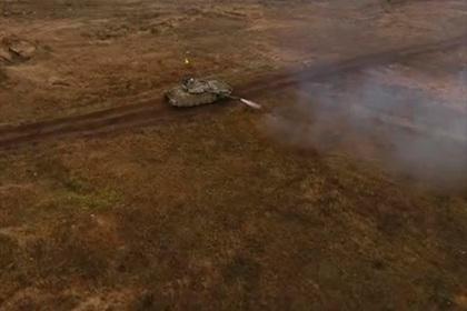 Безостановочная стрельба Т-72 на ходу попала на видео