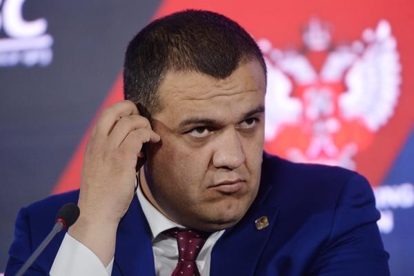 Российские боксеры отказались ехать на Олимпиаду без национального фла