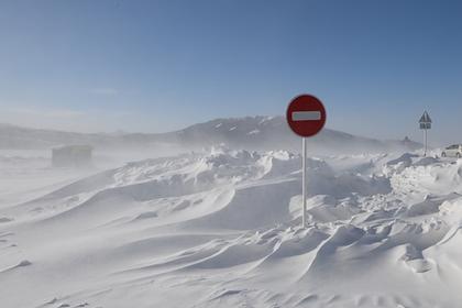 Российское село попало в снежную блокаду