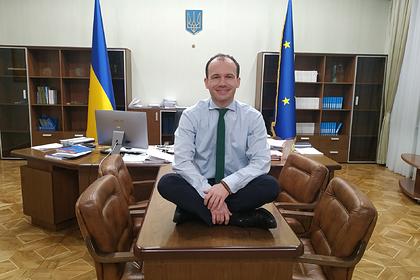 Украинский министр пожаловался на низкую зарплату