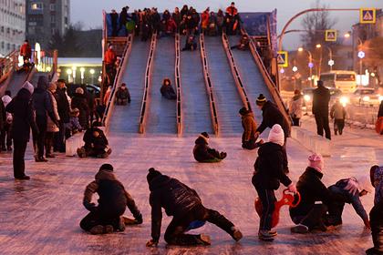 Почти половина россиян захотели отдыхать после Нового года три дня