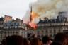 Шпиль собора Нотр-Дам в Париже, охваченный огнем. Никто не мог себе представить, что пожар будет таким обширным и распространится настолько быстро. Тысячи парижан и туристов со всего мира сбежались посмотреть на этот исторический момент своими глазами. Один из наиболее известных городских пейзажей мира навсегда изменился 15 апреля 2019 года. Фото было сделано с 400-метрового расстояния от места происшествия.