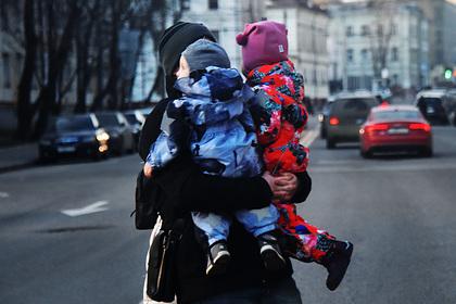 Россияне назвали оптимальное число детей в семье